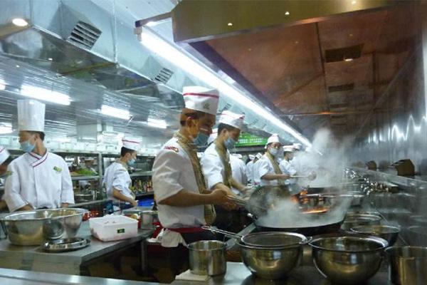 酒店油烟净化工程的设备应用安装及工作原理